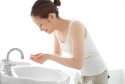 混ぜるだけで変わる、洗顔料で毛穴ケアできる3つのアイテム